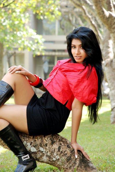 Sri Lankan Girls|Ceylon Hot Ladies|Lanka Sexy Girl: Yureni