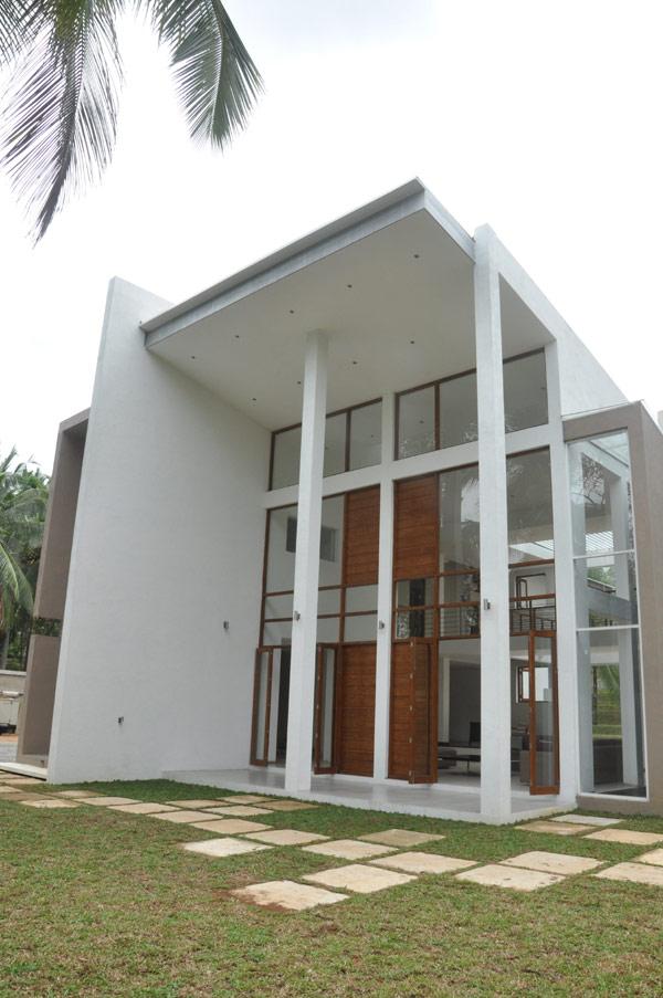 Imposing modern architecture in sri lanka chamila for Architecture design house sri lanka