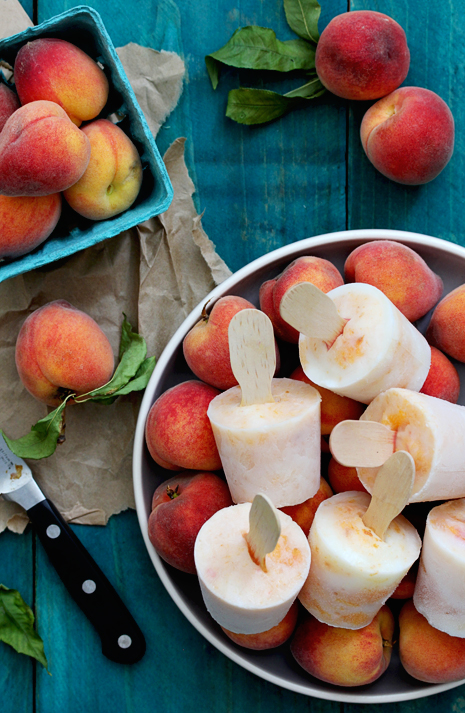 Bourbon-Peaches-and-Cream-Popsicles_Bakers-Royale.jpg