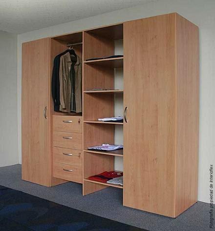 Closet puertas cocinas de madera for Armarios de madera baratos