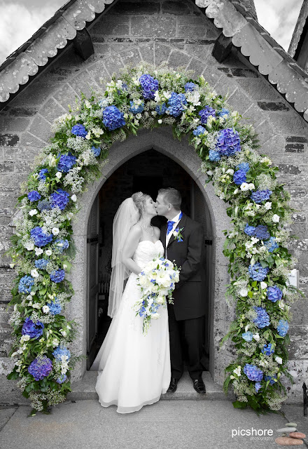St Enodoc church cornwall wedding Picshore Photography