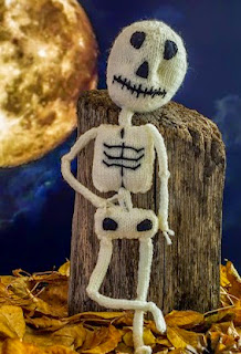 http://translate.googleusercontent.com/translate_c?depth=1&hl=es&rurl=translate.google.es&sl=en&tl=es&u=http://cvetulka.blogspot.com.es/2013/10/halloween-skeleton-pumpkin.html&usg=ALkJrhjDHLFqRctcUTWT3c-P7G8flh-1mA