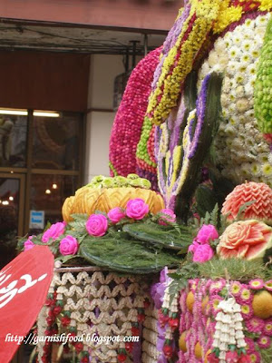 pumpkin and watermelon carving flower parade