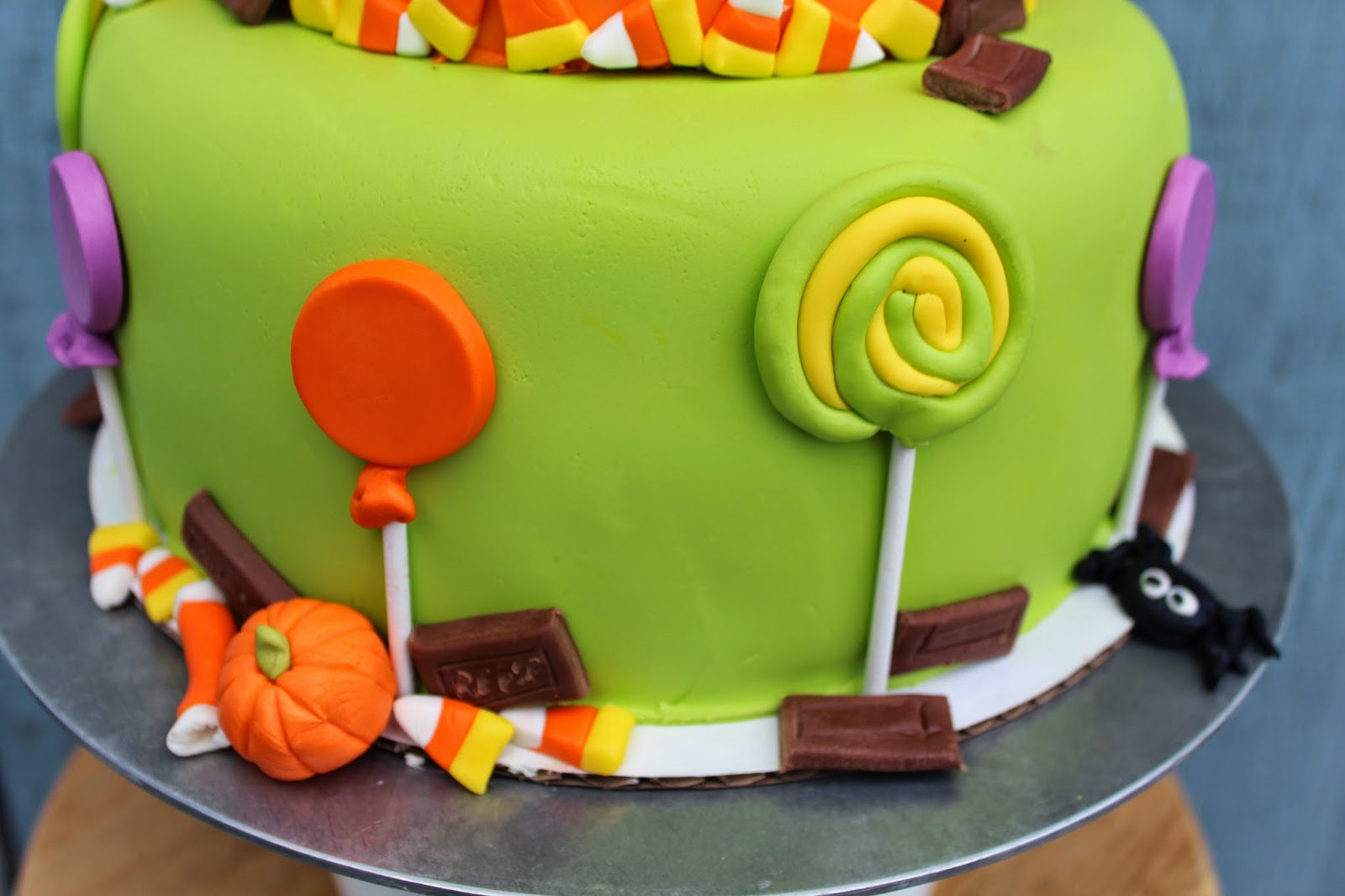 Cakes and Cookies: Twins Halloween Birthday cake