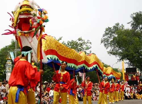 tet holiday in vietnam Tet holiday in vietnam or the lunar new year is the most sacred and significant event within a year for each vietnamese people.