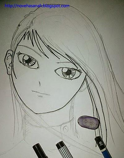 tebalkan sketsa dengan pulpen waterproff dengan memperhatikan tipis tebal garis dan hapus garis pensil yang sudah tidak diperlukan lagi