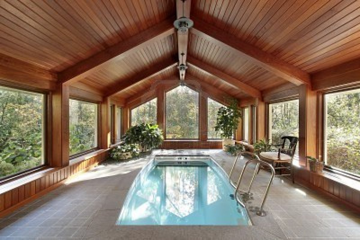 6760968 piscina en casa con techo de madera lujojpg pictures - Piscinas para casas ...