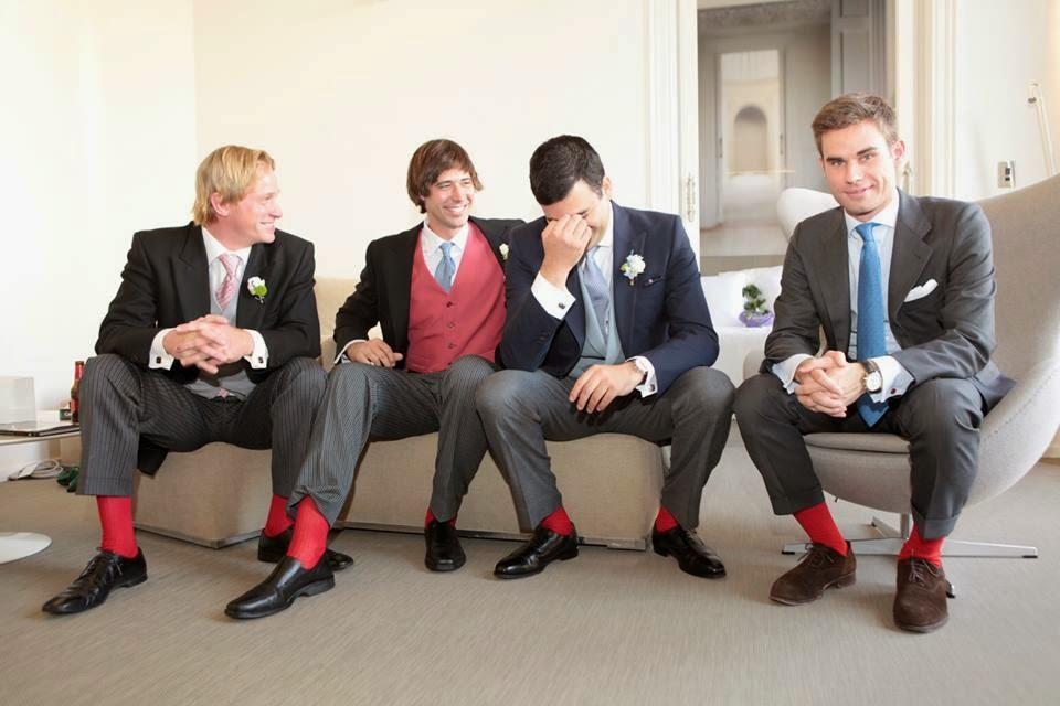 Quieres que tus amigos, padrinos, testigos o hermanos vayan con los calcetines a juego en tu fiesta