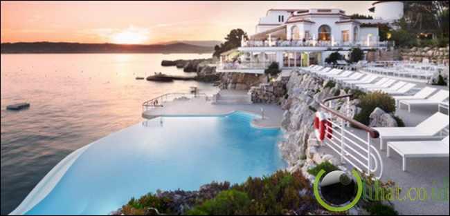 Cliffside Pool di Hotel du Cap Eden-Roc, Cannes, Prancis