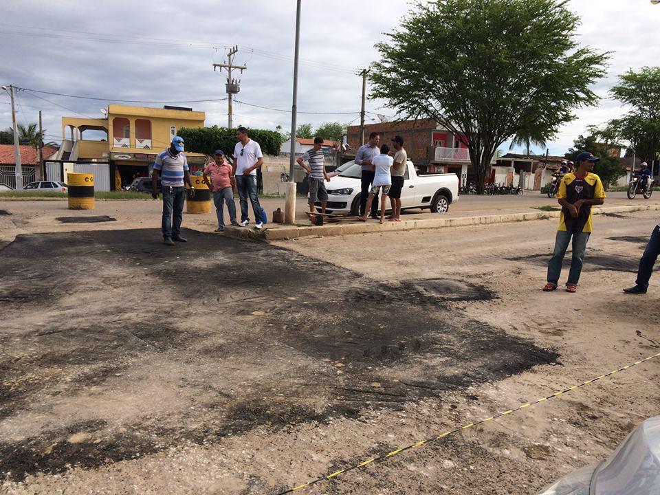 Recapeamento do asfalto nas ruas de Serrinha não 'vingou'