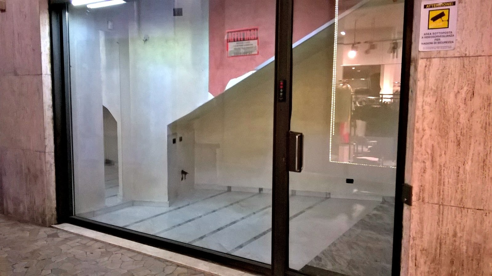 negozio affitto bergamo via tiraboschi porta nuova