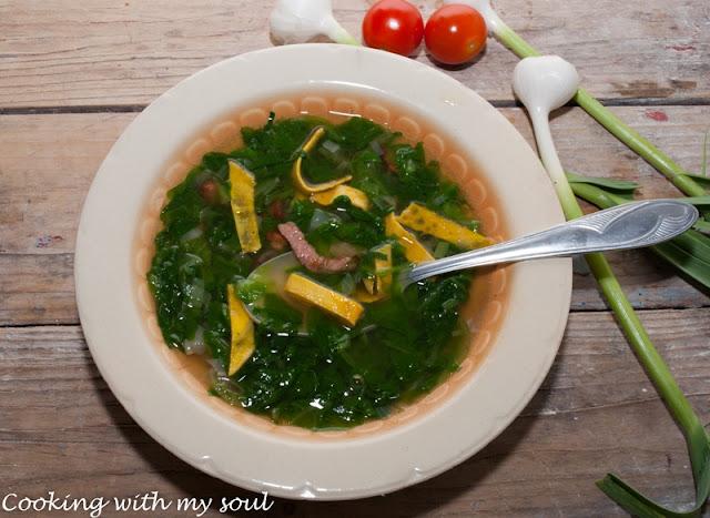 Supa de salata verde cu afumatura