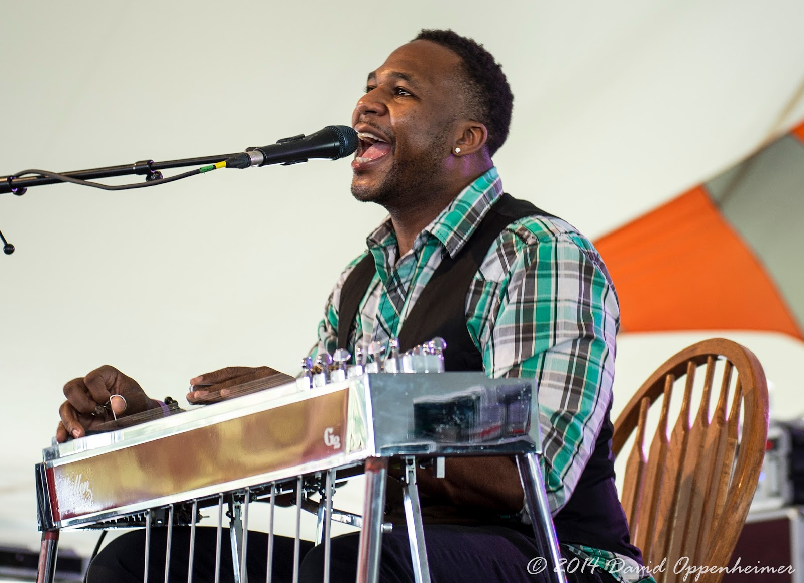 Robert Randolph Performing at LEAF Festival