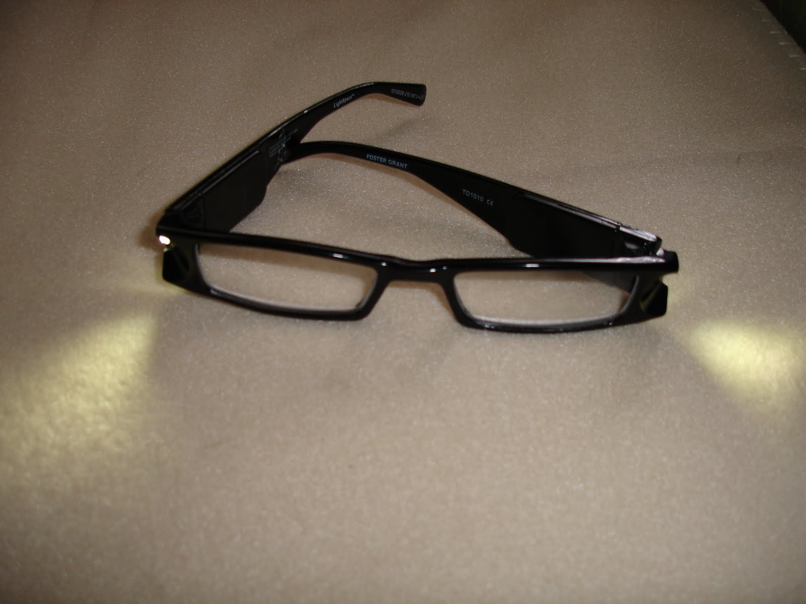 magnifying eyeglasses with light pair of magnifying glasses. Black Bedroom Furniture Sets. Home Design Ideas