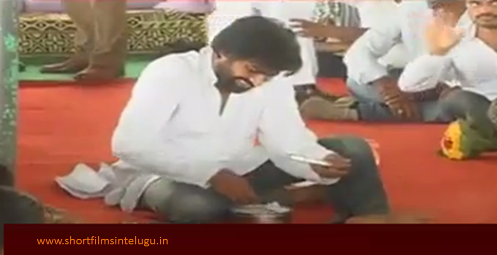 PAWAN KALYAN THULLURU PICS - EATS A TIFFIN BOX OF A FARMER