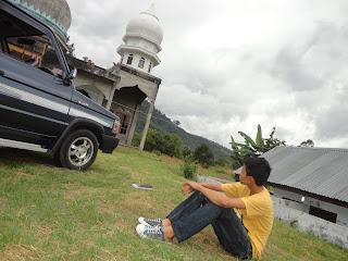 Berhenti Sejenak di Masjid
