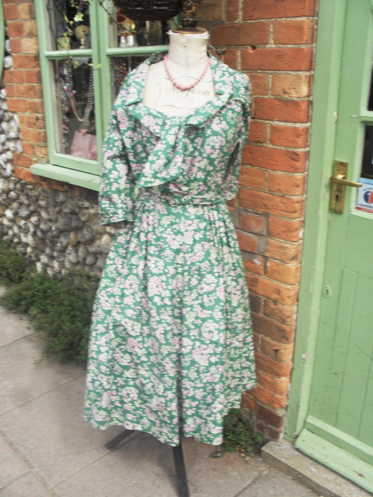 Vintage Shops, Boutiques and Sun- A week in Norfolk! | Logans Runway