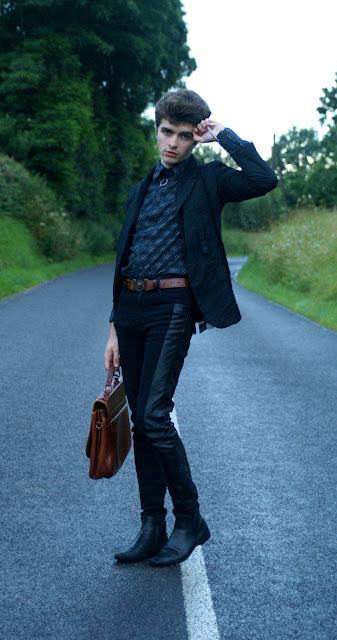 Blazer comme des garçons bottines dior homme sacoche vintage collier bvlgari blog mode