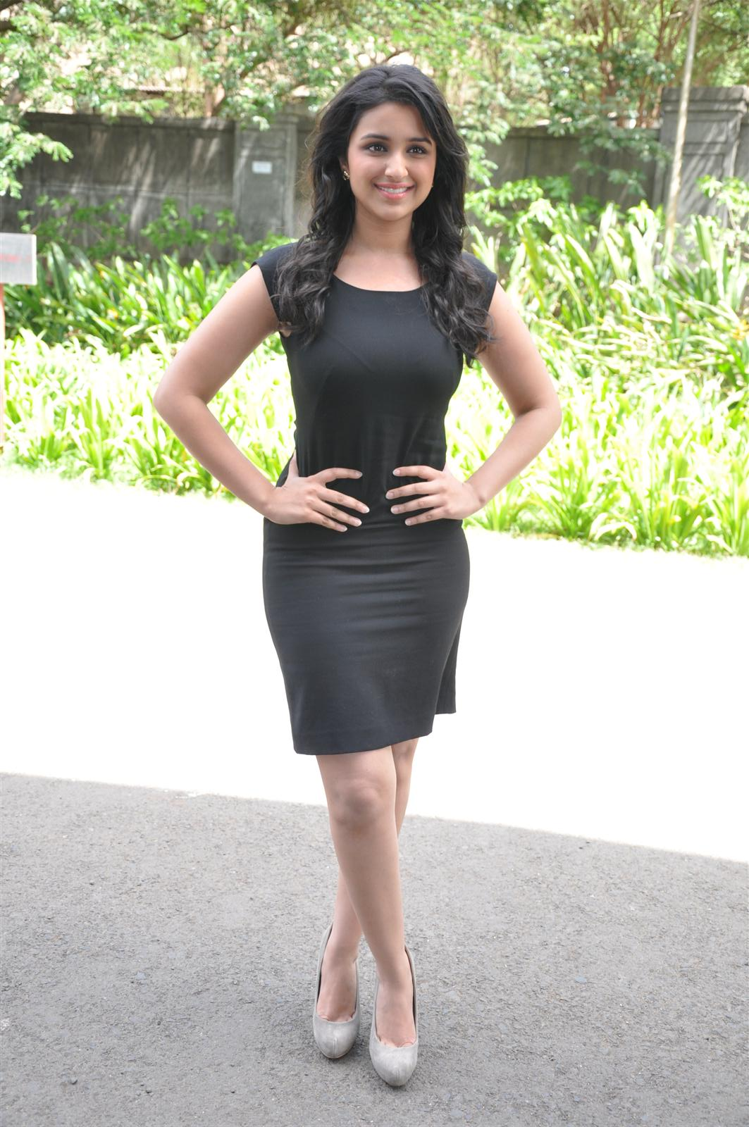Parineeti Chopra Looks Sexy In Black Skirt At The Bollywood's Century Celebration