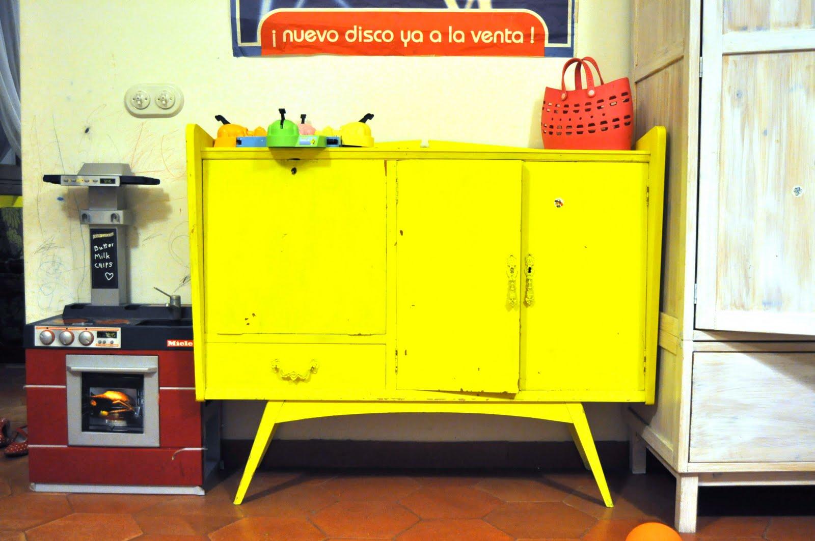 Naifandtastic decoraci n craft hecho a mano for Reto muebles segunda mano