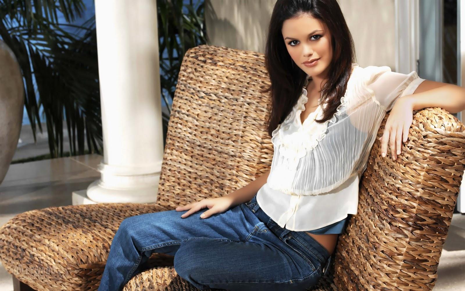 http://2.bp.blogspot.com/-SSjTHtSgsH4/TY8N3vAdTPI/AAAAAAAAAeg/rCJSZrY6Ppg/s1600/Rachel+bilson+Hot+Actress+Wallpapers.jpg