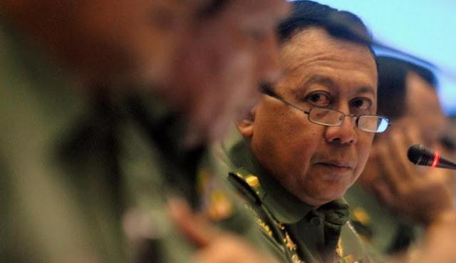 Menjabat Panglima Komando Daerah Militer