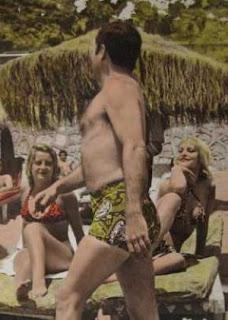 Alfredo Landa en la playa