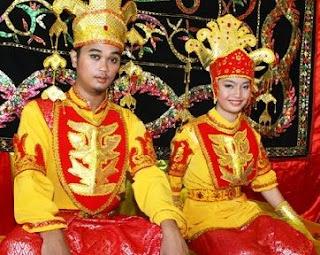 Ritual Pernikahan Unik, Pengantin Tidak Boleh Buang Air Selama 3 Hari [ www.BlogApaAja.com ]
