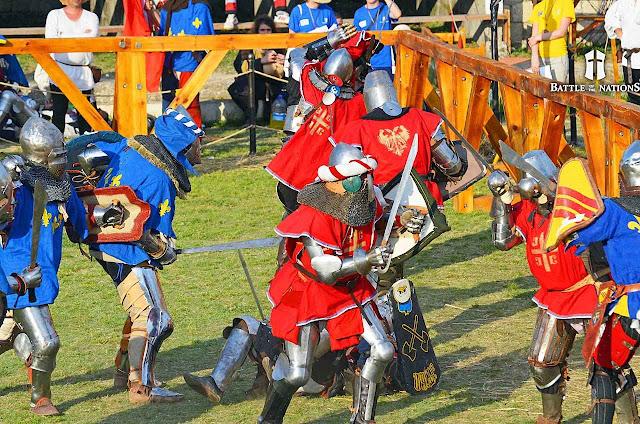 O combate de cinco contra cinco é uma categoria muito disputada.
