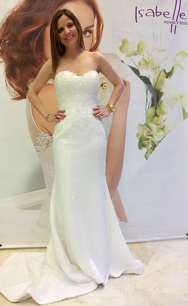 Bloggers en Lovely by Isabelle con vestidos de novia. Wedding dresses. Visit www.forarealwoman.com