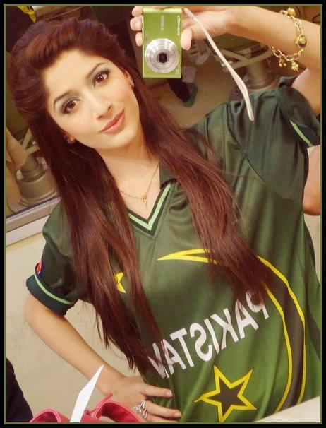 Latest images of Mawra Hocane