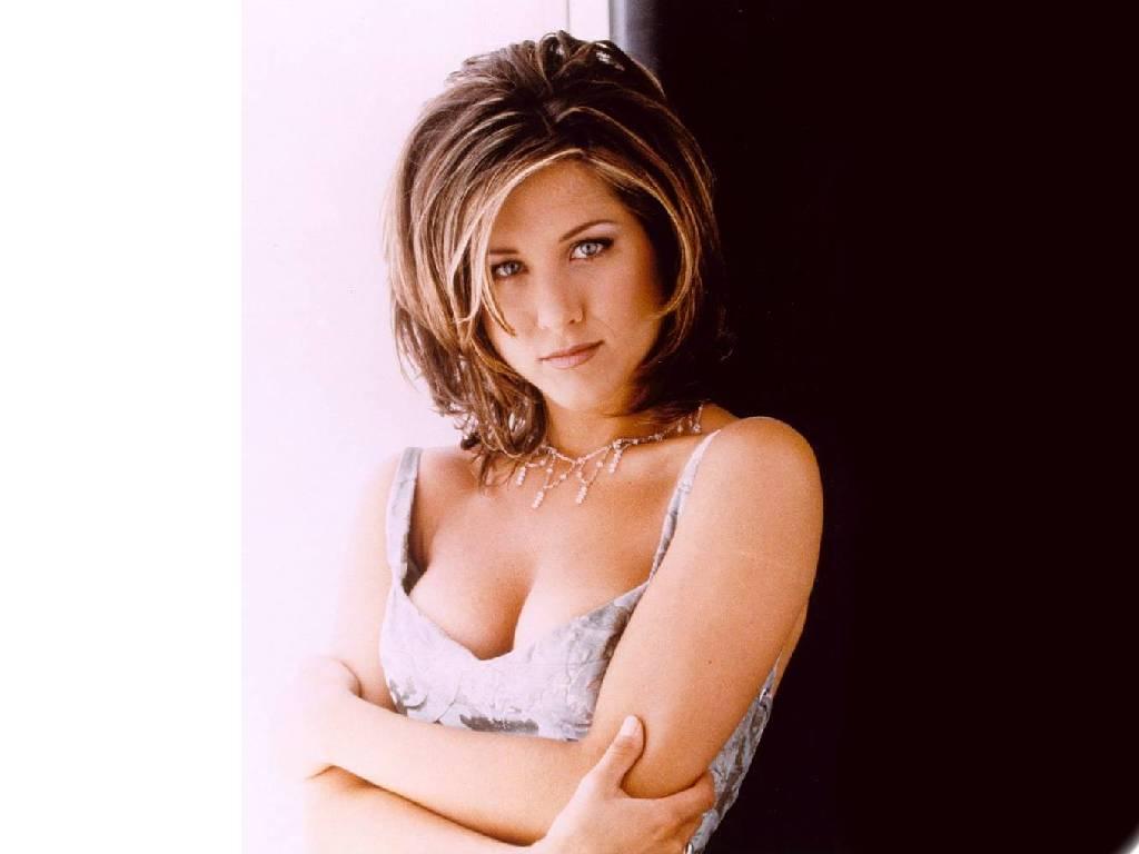 http://2.bp.blogspot.com/-STwgpOapC6I/Tml8AxxtFcI/AAAAAAAAD1U/fE-sWBVlrQo/s1600/Jennifer-Aniston-wallpaper-10.jpg