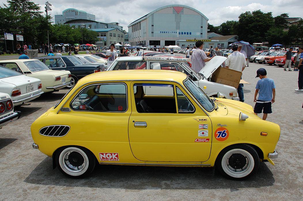 Suzuki Fronte 360, oldschoolowe auta, samochody z dawnych lat, stara motoryzacja