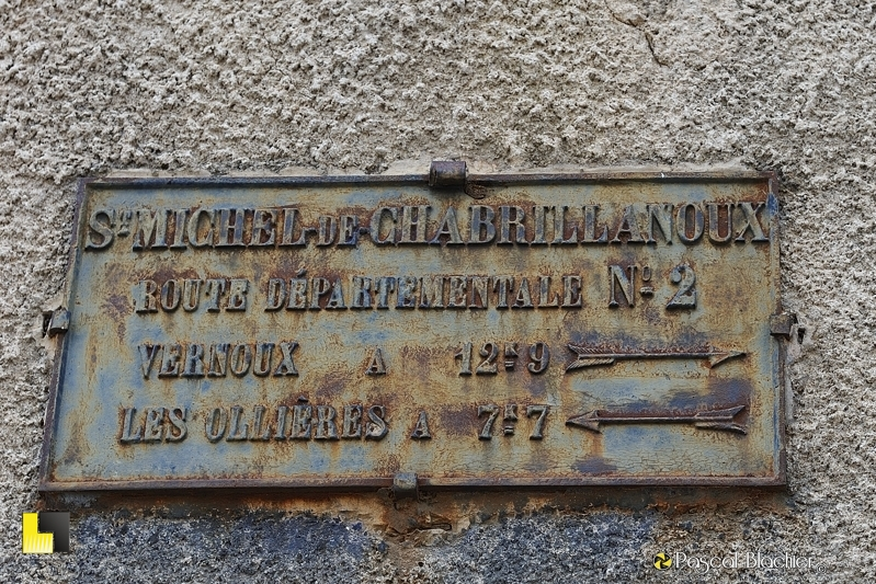 Plaque signalétique routière saint michel de chabrillanoux photo pascal blachier