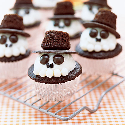 skeleton cupcake from my recipe the cuttest halloween theme cupcake - Halloween Kid Foods To Make
