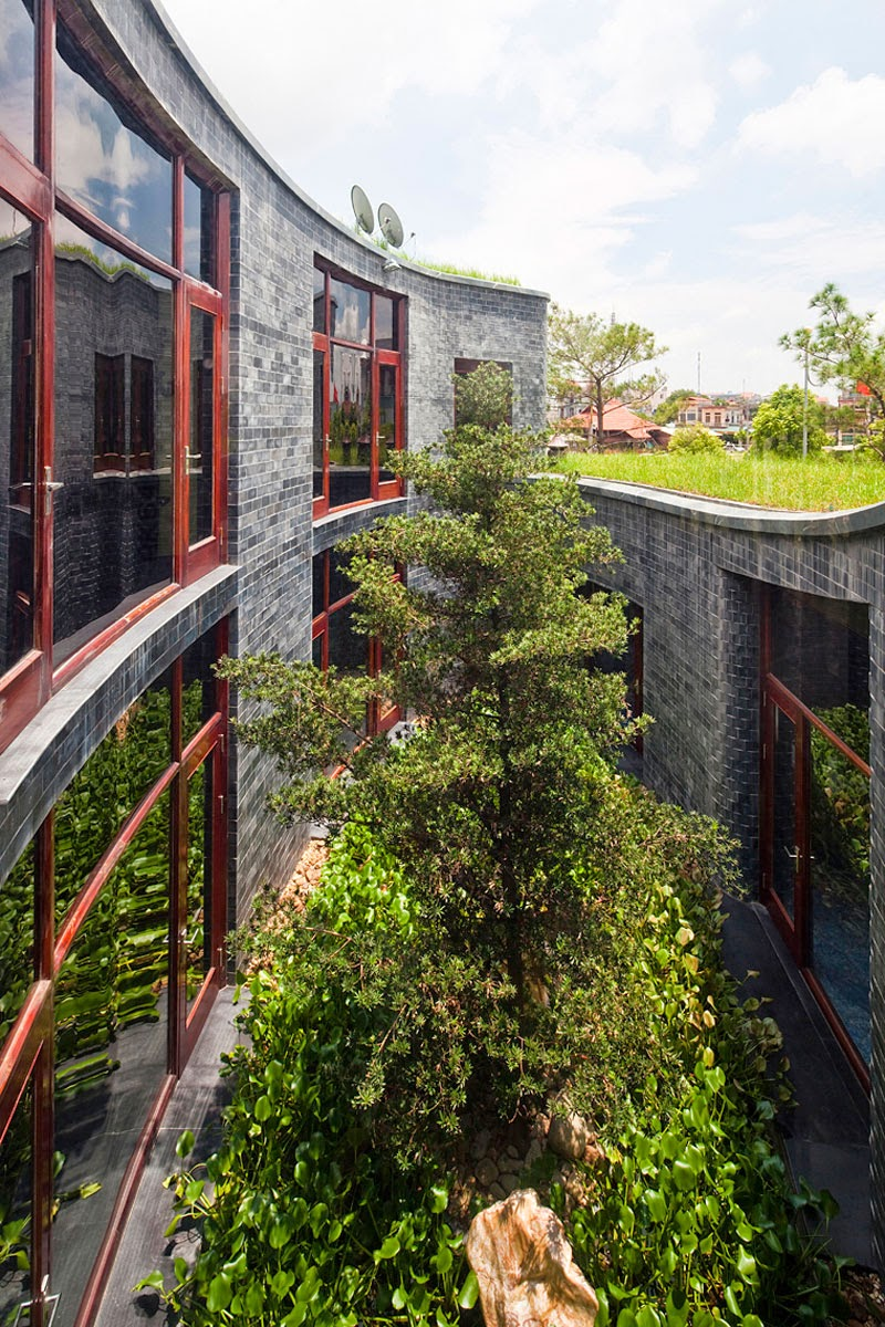 Green Roof and Central Garden