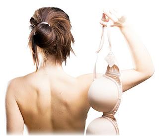Comment raffermir la poitrine naturellement et sans chirurgie?