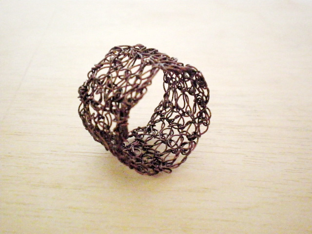 lilyja: Wire crochet rings- DIY