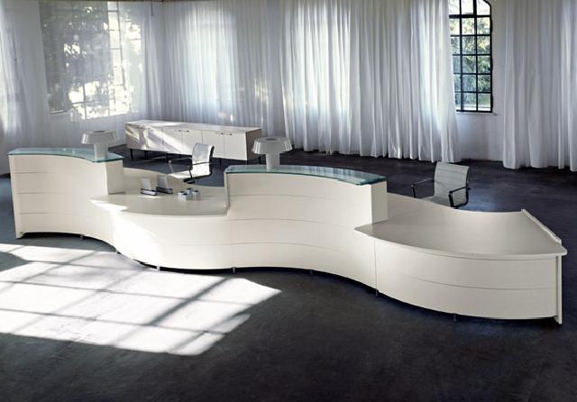 colour up your office empfangstheke geschwungen wei behindertengerecht. Black Bedroom Furniture Sets. Home Design Ideas