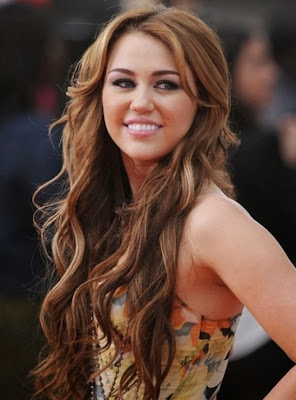 http://www.belgraviacentre.com/blog/miley-cyrus-reveals-her-long-locks-were-due-to-hair-extensions/