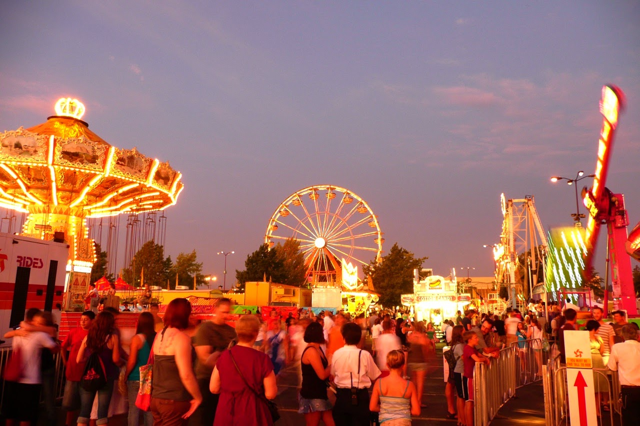 Eugene, Lane County Fair, summer, fun, crowd, fairgoers, summertime, sunset