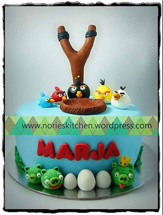 Images Of Angry Birds Cake : birthday cakes on Pinterest Superhero Birthday Cake ...