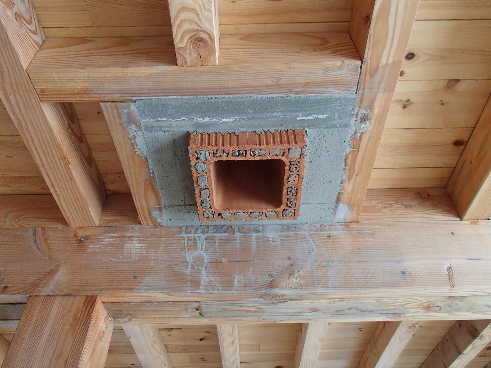 autoconstruction bois et paille en vall e d 39 ossau 64 d but du conduit de chemin e. Black Bedroom Furniture Sets. Home Design Ideas