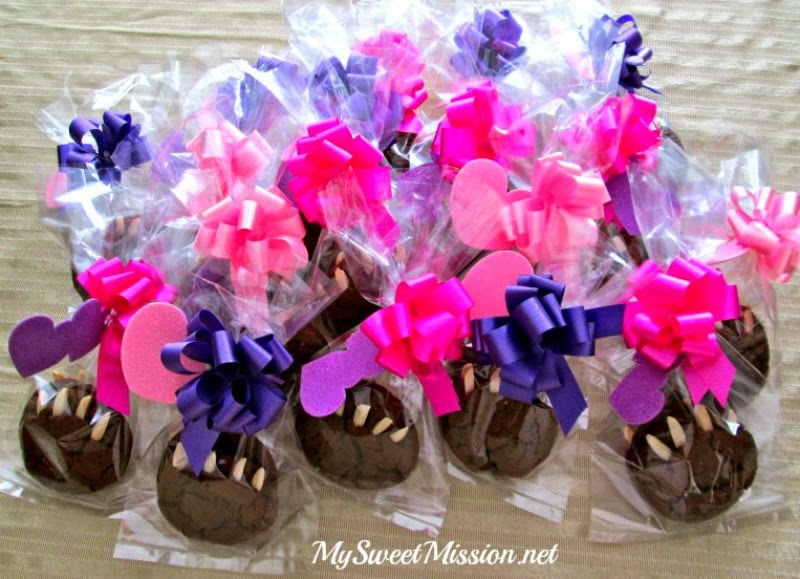 Baby Bear Claw Cookie Favors by MySweetMission.net