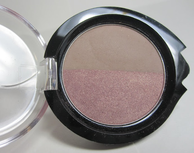 Nuance Eyeshadow Duo of Sheer Plum and Putty