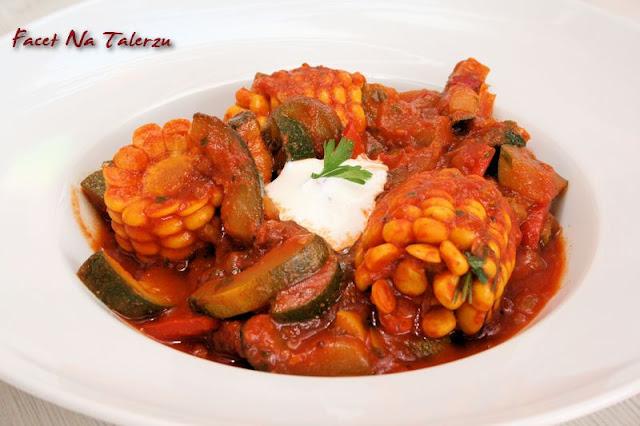 indyjskie curry z cukinią i kukurydzą