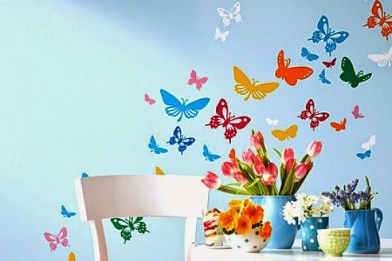 Бабочек на стене рисовать