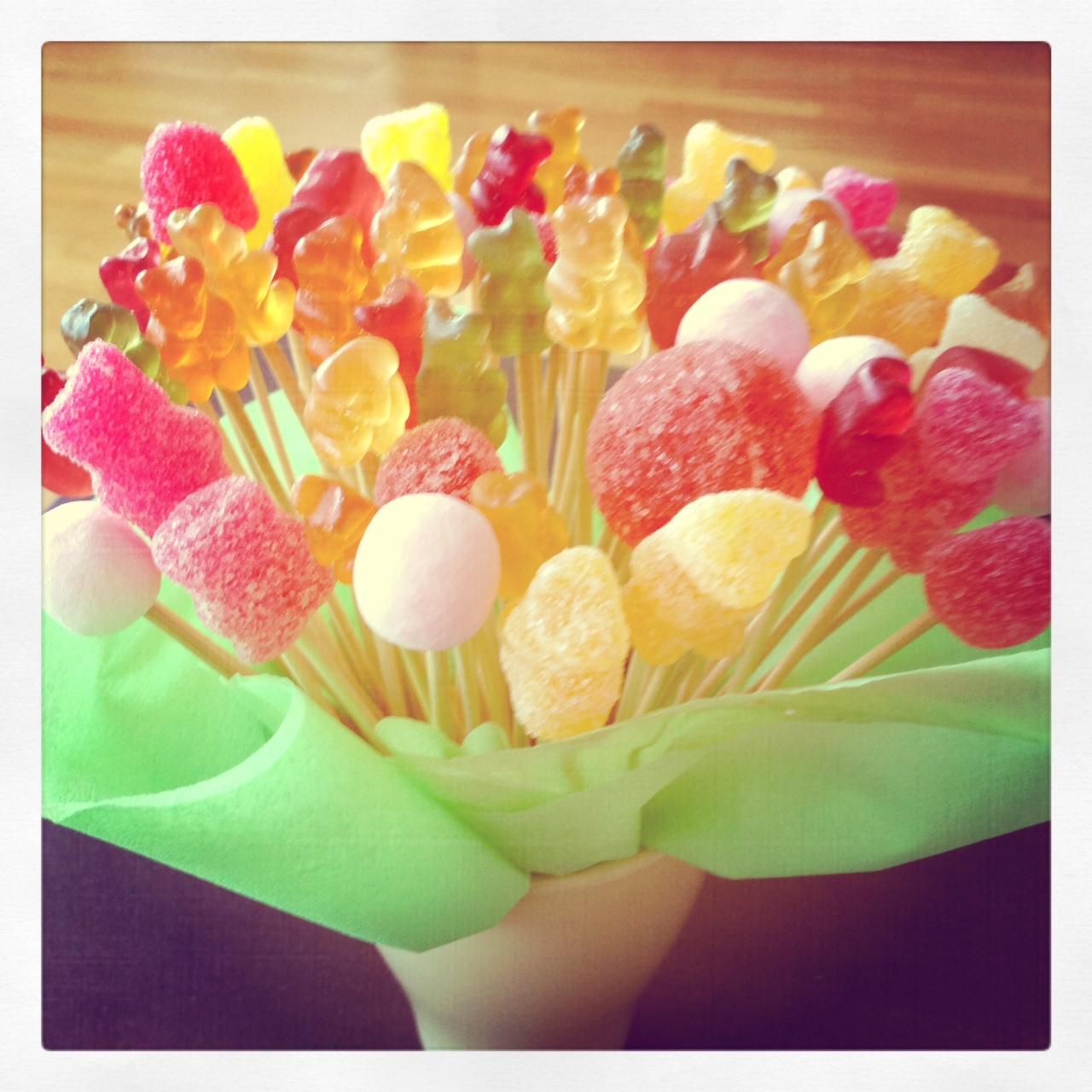 Quedamos en el blog sweet diy for Pinchos de gominolas