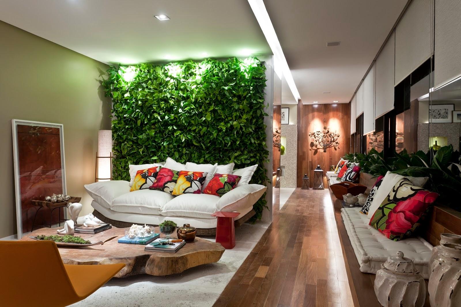 jardim vertical é uma ótima opção pra quem deseja um jardim  #3C6D1A 1600x1067 Banheiro Com Jardim Vertical