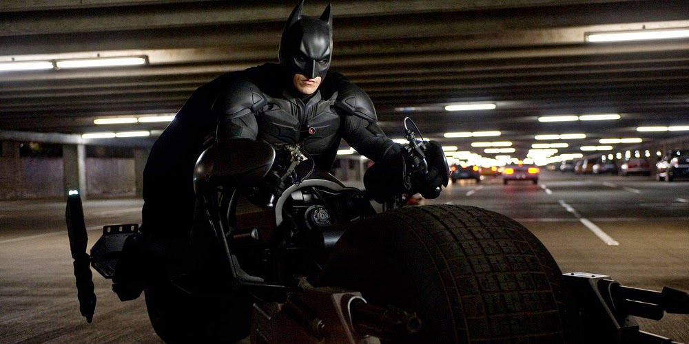 Christian Bale em BATMAN - O CAVALEIRO DAS TREVAS RESSURGE (The Dark Knight Rises)
